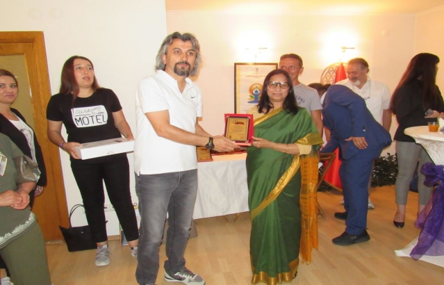 Yoga Federation celebrated IDY in Ankara. A photo contest on Yoga was organized in coordination with Ministry of Sports and Ministry of Education and awards distributed on 21.06.2018