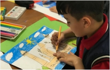 Turkish children depicting India for painting competition organized by countrys embassy in Ankara Sibel Morrow 12.04.2019