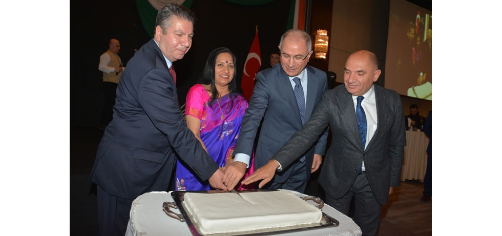 C dA with the Chief Guest during Cake Cutting Ceremoney on National Day