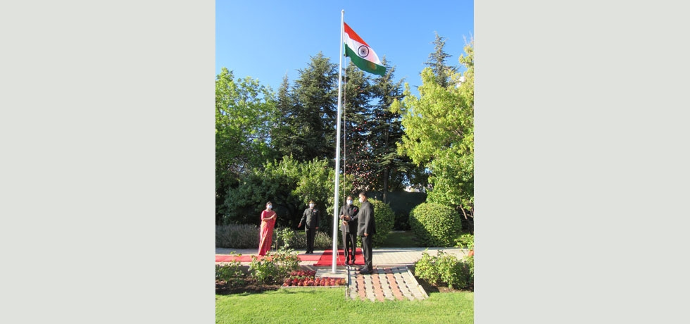 Ambassador of India H.E. Sanjay Panda unfurls the national flag on 74th Independence Day.